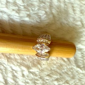 Jewelry - ✨CZ Gorgeous Size 10 Gold Colored Ring ✨